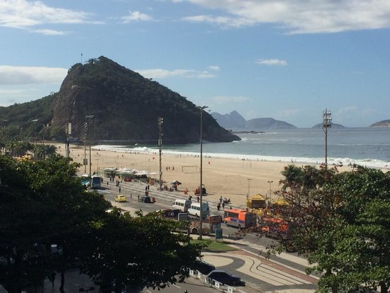 Windsor Plaza Copacabana Hotel: View from the pool deck on the 4th floor.