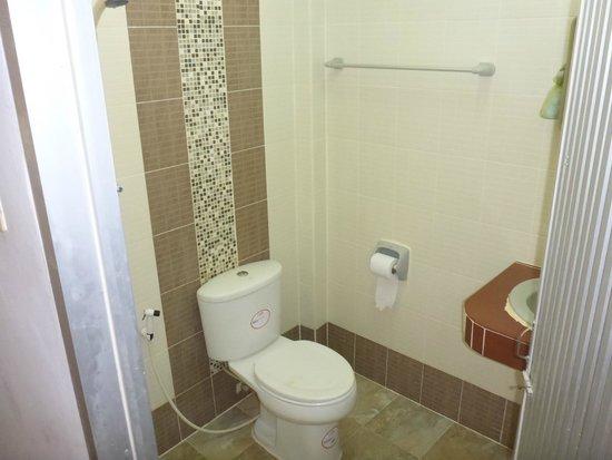 Bella Tropicana Hotel & Guesthouse : Bathroom