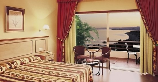 Atalaya Park Golf Hotel and Resort: Habitacion Vista Mar