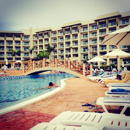 Hotel Melia Marina Varadero: Poolside