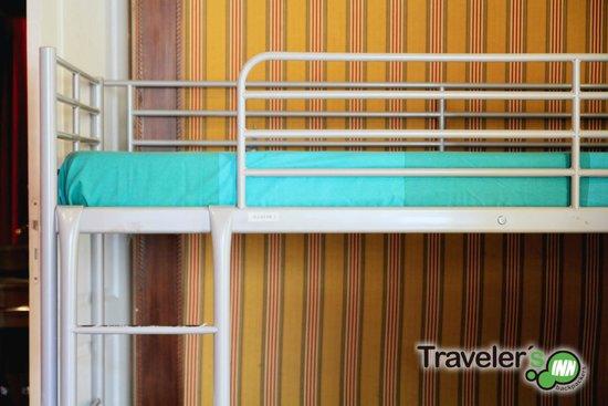 Traveler's Inn Seville : Dorm detail