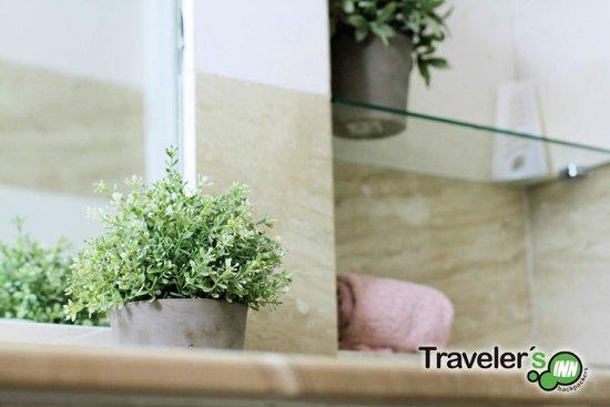 Traveler's Inn Seville : Bath