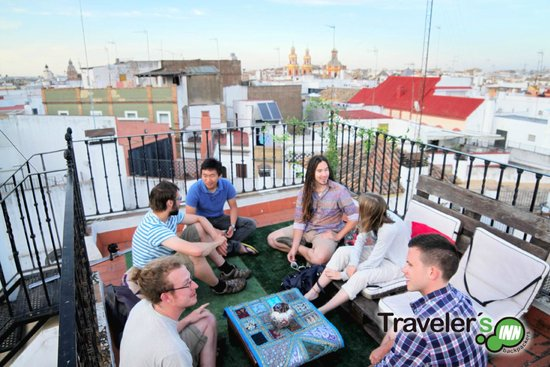 Traveler's Inn Seville : Terrace chill out
