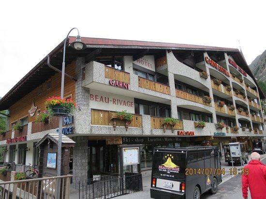 Hotel Beau-Rivage : ホテル外観