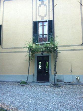 Ape Rosa Relais : Particolare della villa