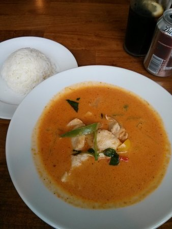 Wrestlers Pub: The Best Red Curry Anywhere!