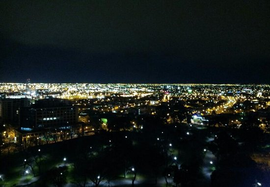 Oaks On William: Night view from balcony was wonderful and can't be beat !