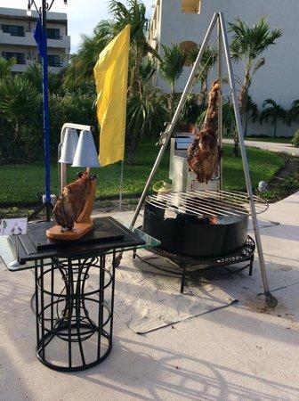 Secrets Maroma Beach Riviera Cancun: BBQ by the pool