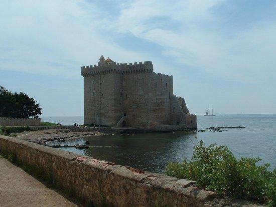 Îles de Lérins : Monastero fortezza