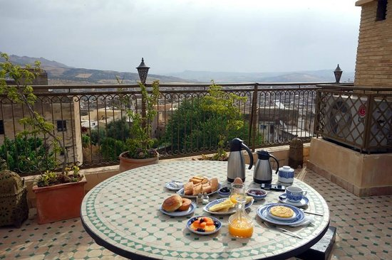 Ryad Alya : Breakfast on rooftop every morning