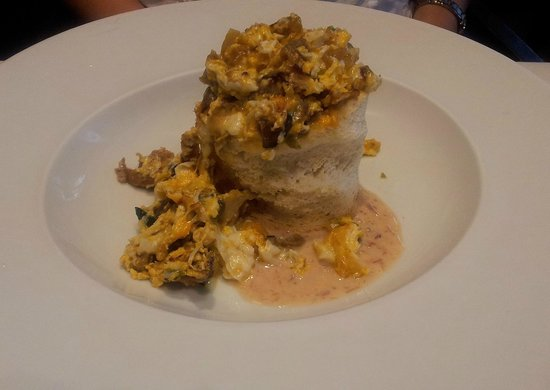 Sikera Bar Restaurante: Revuelto cremoso de pato, hongos y cebollitas glaseadas
