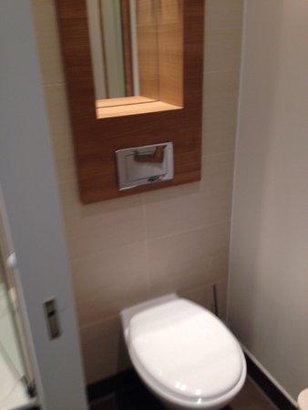 RAMADA Hotel Berlin Alexanderplatz: Toilet