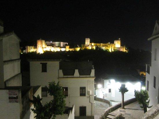 Albayzin: ночная Альгамбра