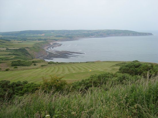 Raven Hall Hotel: From the 1st tee of the hotel golf course