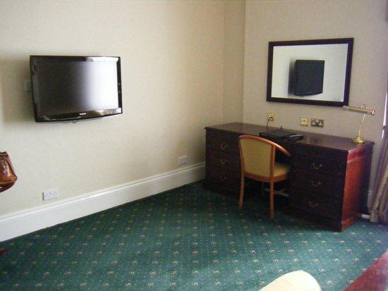 Oatlands Park Hotel: plenty of space in 2117