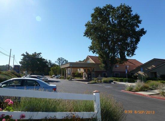 Best Western Plus Colony Inn: Parking