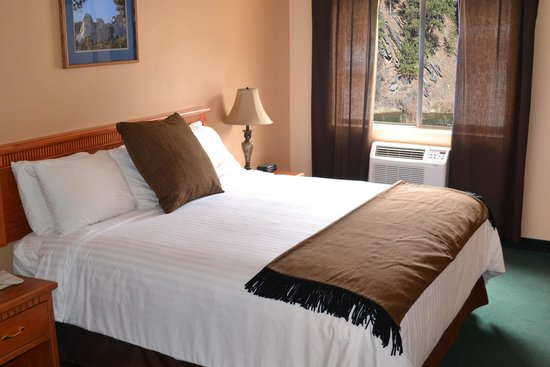 Deadwood Gulch Resort: King Deluxe Room