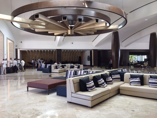 Hyatt Ziva Los Cabos: Beautiful lobby