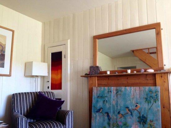 Sorrel Cottage: living room