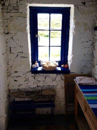 Sorrel Cottage: hall