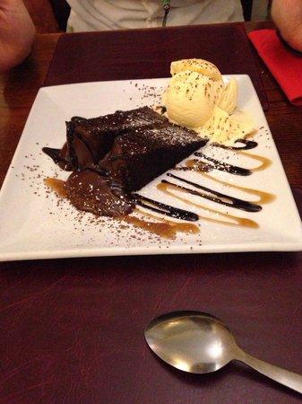 The Castle Inn : Dessert: warm chocolate fudge with vanilla ice-cream and chocolate & toffee sauce