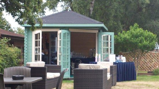 Potters Resort: summer house in the garden