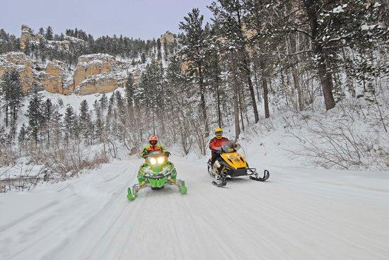 Deadwood Gulch Resort: Located on snowmobile trail #7