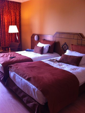Hotel Atlas Asni : stanza matrimoniale con letto doppio