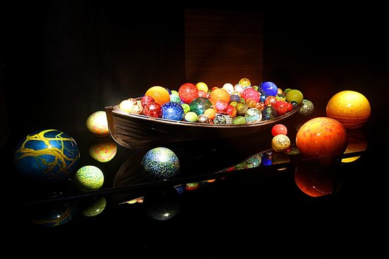 "Chihuly Collection: ""The Boat"" 2010 by Dale Chihuly. Photo by O.J. Callahan"
