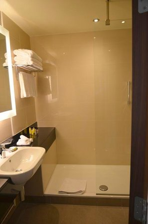 Budapest Marriott Hotel : Bathroom room 435
