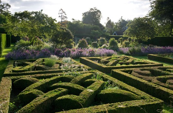 Helmingham Hall Gardens: Rose & Knot Garden