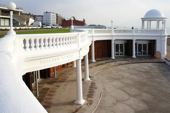 Hastings, UK: Colonnade at Bexhill