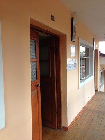 Piuray Hostal Cusco: Doorway to our room