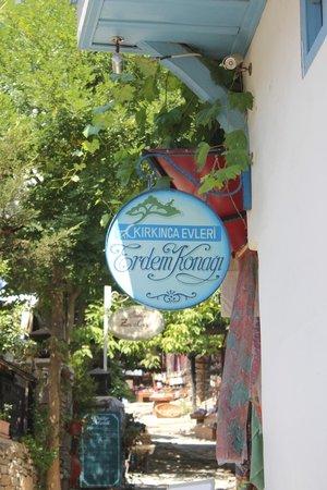 Kirkinca Hotel: Erdem Konağı köyün en eski konağı