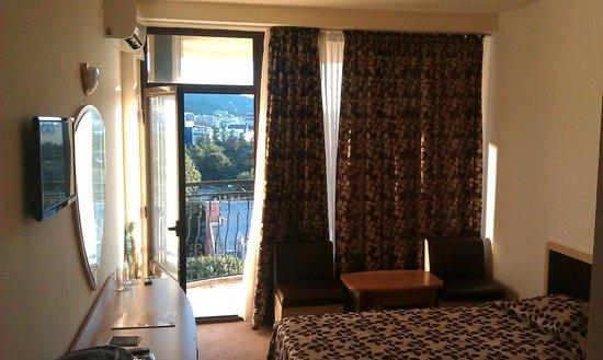 Shipka Hotel: Наш номер