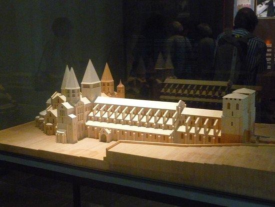 Abbaye de Cluny : Model of Cluny Abbey