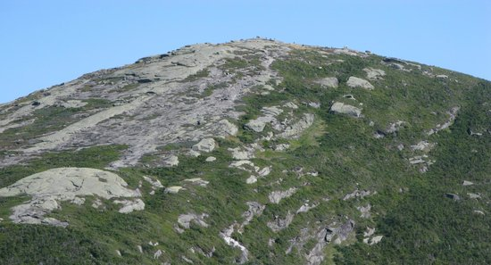 Mount Marcy : the summit from affar