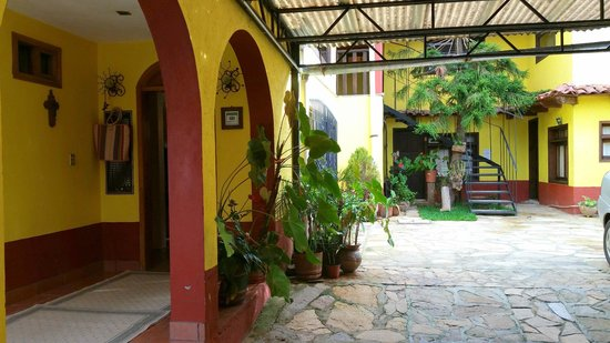 Posada Sancris: L'esterno dell'hotel