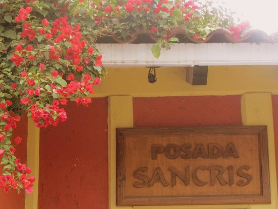 Posada Sancris: L'hotel dalla strada