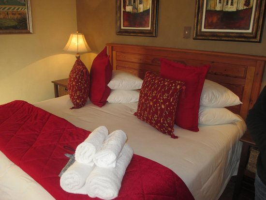 De Denne Country Guest House: The warm bed
