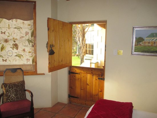 De Denne Country Guest House: The door to the room