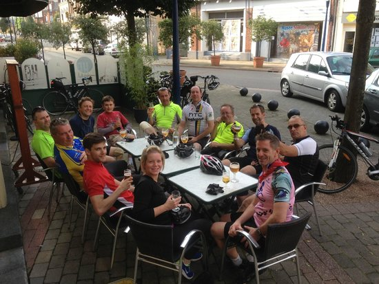 WW1 Tours: Long drinks after a long ride