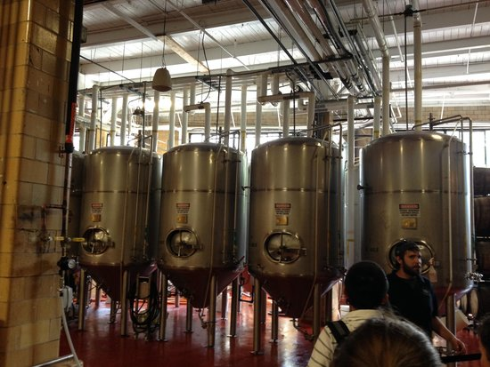 Samuel Adams Brewery : Brewing machines