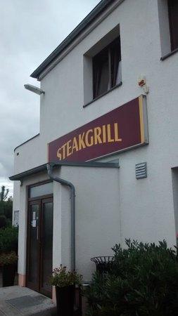 Steakgrill: outside