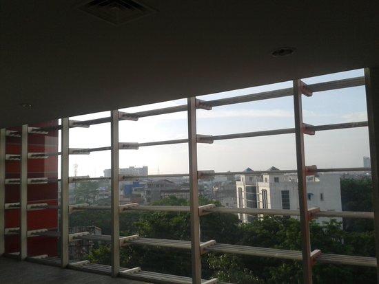 Hotel Santika Premiere Dyandra: View from corridor