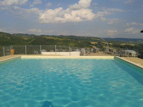 Hotel Fortebraccio: piscina