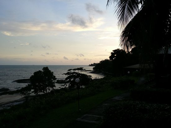 Century Langkawi Beach Resort : Sunset from the Porch