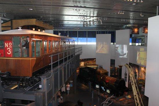 Museum of Liverpool: up lookings down