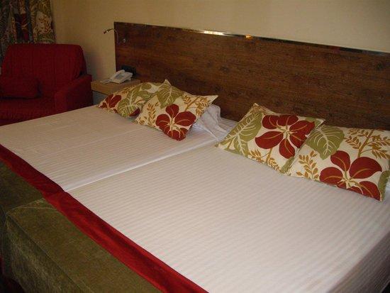 Nuba Hotel Coma-Ruga: Cama