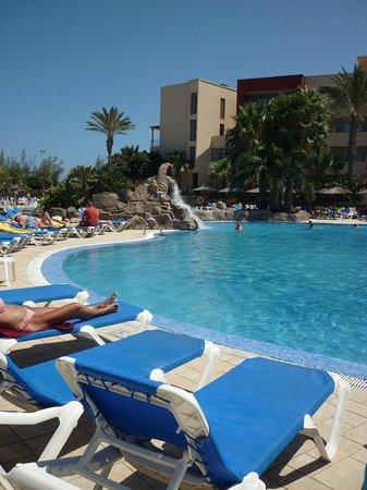 Elba Carlota Beach & Convention Resort: vue sur piscines